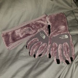 The North Face • Osito Gloves and Headband